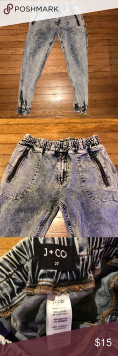 J+CO Denim Joggers size 27 Semi-baggy denim joggers, size 27. I am 5'5 and these reach my ankles. They add a great street/urban style to any outfit! They have a great acid wash to the denim. J+CO Pants Track Pants & Joggers