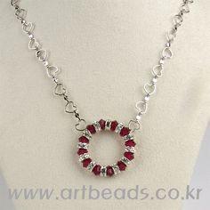 - Wire Wrapped Jewelry, Wire Jewelry, Jewelery, Jewelry Necklaces, Diy Crafts Jewelry, Beads And Wire, Diy Necklace, Crystal Beads, Handcrafted Jewelry