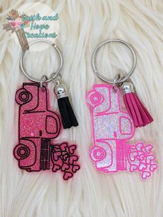 Glitter love truck keychain by FaithandHopeCreation on Etsy Make All, How To Make, Colour List, Color, Resin Molds, Clear Resin, White Glitter, Black Accents, Keychains