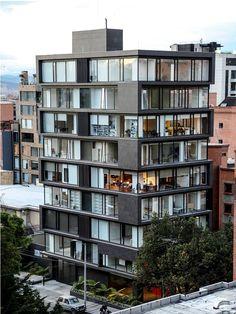 979. Edificio de oficinas Bogotá, Colombia www.glarquitectos com