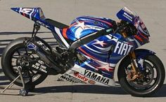 Yamaha Race Bike                                                                                                                                                                                 Mais