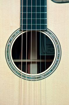 Circa 00 Acoustic Italian spruce top 00-42 style Rosette Ebony fretboard with black and white plastic binding