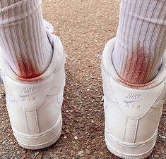i absolutely hate white socks nike kotd socks white sneakers blood Grunge Look, 90s Grunge, Grunge Style, Grunge Outfits, Thrasher, Geek House, Sup Girl, Maila, Foto Pose