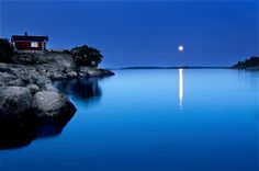 "Photo ""Moon-over-DSavo"" by mikaelsundberg"
