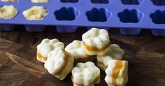 Candy Corn Dog Treats small bananas 1 cup plain non-fat yogurt, divided cup canned pumpkin silicon ice cube tray Dog Biscuit Recipes, Dog Treat Recipes, Dog Food Recipes, Homemade Dog Cookies, Homemade Dog Food, Homemade Gifts, Betty Crocker, Candy Corn, Candy Canes