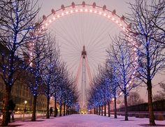 Ahhhhh Paris! Love the pink ferris wheel!