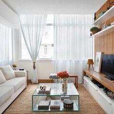 Este apartamento de 90 m² que projetamos está na @revistacasaclaudia! #projetosadalagomide #arquitetura #casa #casaclaudia #decoração #design