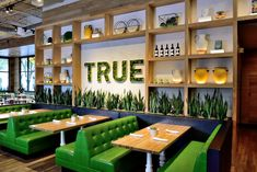 The west coast-based true food kitchen is a restaurant chain focused on healthy, seasonal options. Deco Restaurant, Burger Restaurant, Restaurant Design, Restaurant Ideas, Best Vegan Restaurants, Denver Restaurants, Food And Beverage Industry, True Food, Patio