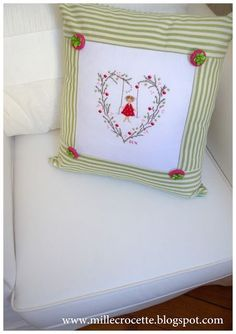 puntocroce e fantasia: jennifer lentini Cross Stitch Pillow, Le Point, Pillow Design, Pillows, Frame, Handmade, Crafts, Cross Stitching, Blog