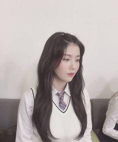 ﹝Park Yewon﹞ ー Kwon Eunbi ♡̷̷ Luxury Jewelry, Boho Jewelry, Jewelry Design, Yuri, Korean Girl, Asian Girl, Eyes On Me, Japanese Girl Group, Bts And Exo