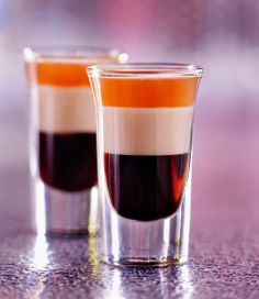 Shot Coffee liqueur Baileys Irish cream Grand Marnier Layer the three spirits in a shot glass in the order they're listed. Amaretto Drinks, Alcoholic Drinks, Beverages, Shots Drinks, Grand Marnier, Layered Shots, Kahlua Coffee Liqueur, Tequila Rose, Cream Liqueur