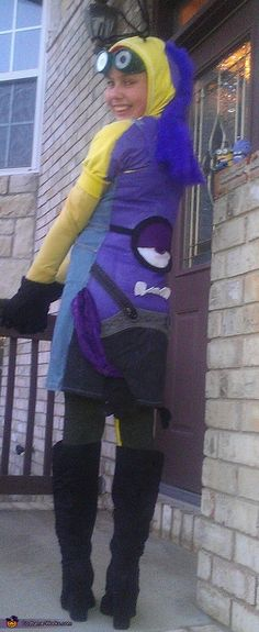 My daughter LOVES despicable me and the minions and was having trouble deciding if she wanted to be a purple or yellow minon. Since yellow minions turn into purple ones, when you turn you can be purple too. Purple Minion Costume, Minion Halloween Costumes, Homemade Halloween Costumes, Halloween Costume Contest, Creative Halloween Costumes, Cute Costumes, Spirit Halloween, Halloween Fun, Costume Ideas