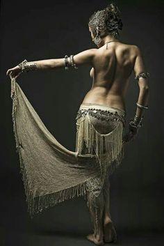 Dancer: Michaela Sladeckova :¦: Photographer © Stanislav Honzik