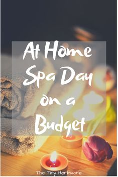 Create the perfect at home spa day! This guide for a diy spa day on a budget is filled with ideas to help you relax and find hygge at home. // self care on a budget // self care ideas // spa night ideas // how to have a spa day tag zu hause Home Spa Room, Spa Day At Home, Diy Spa Tag, Cheap Spa, Diy Maquillage, Pamper Days, Home Spa Treatments, Spa Night, Wellness Spa
