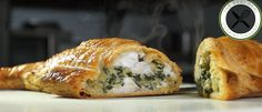 Loup en Croûte / Sea Bass in Puff Pastry Sea Bass, Bagel, Bread Recipes, Nom Nom, Breads, Clean Eating, Turkey, Cooking, Wolves