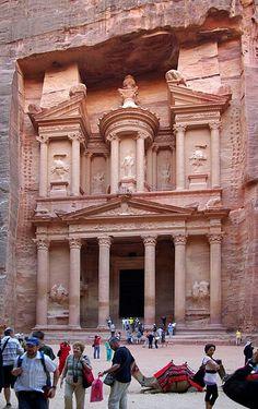 PETRA DE JORDANIA: enclave arqueològico construida a fines del siglo VII a.C. en la ciudad antigua Nabatea, Jordania.