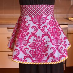Apron with adorable flare and wide waistband (inspiration, lots of variations on site, pattern $10 from http://www.sisboom.com/patterns/)