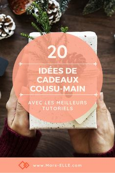 2 idées et turotiels pour des cadeaux cousu-main Ideas and tutorials to offer hand-sewn gifts to the whole family. Crochet Christmas Gifts, Christmas Diy, Sewing Hacks, Sewing Tutorials, Sewing Tips, Good Tutorials, Couture Sewing, Sewing Projects For Beginners, Hand Sewing
