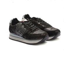 Comanda acum Pantofi sport dama din piele naturala si piele ecologica Wrangler-182630 negru sclipici, beneficiaza de cele mai tari preturi pentru Tenisi / Pantofi sport dama. Urbanshoestore ✅ Stocuri... Marimo, Karl Lagerfeld, Stil Retro, All Black Sneakers, Versace, Sports, Casual, Fashion, Tennis