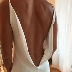 Let's focus on this INSANE back to start this Sunday / the gown AMANDA / the d… – Alternative Weddings Dresses Mode Inspiration, Wedding Inspiration, Evening Dresses, Prom Dresses, Looks Chic, Festival Style, Wedding Goals, Here Comes The Bride, Dream Wedding Dresses