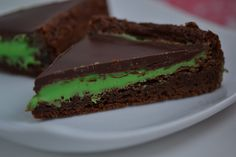 Grasshopper Brownies on http://glutenfreeonashoestring.com