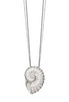 #Diamond Nautlis pendant, India Hicks @indiahicks