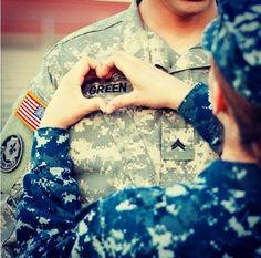 Love this photo idea for a military couple.