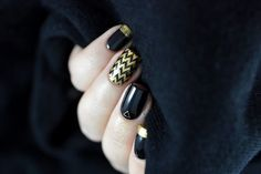 Inspiration on Black & gold by Marine Loves Polish and more. Check out more Nails on Bellashoot. Tape Nail Art, Nail Art Diy, Art Nails, Marine Love, Gold Chevron, Fabulous Nails, Black Gold, Swatch, Rings For Men