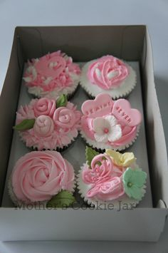 CuppieCakes! - Pink Valentines' Day Cupcakes