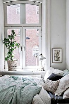 tiny bedroom ideas white bedroom with blue linen sheets