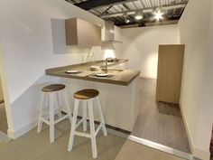 Keuken ontwerpen tips - Werkbladruimte Home Decor Kitchen, Home Kitchens, Future House, Sweet Home, Interior, Table, Furniture, Design, Kitchen Inspiration