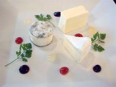 チーズプラトー ブリアサヴァラン - Google 検索