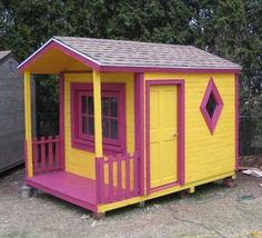 31 Free DIY Playhouse Plans to Build for Your Kids' Secret Hideaway Pallet Playhouse, Build A Playhouse, Playhouse Ideas, Childrens Playhouse, Outdoor Projects, Pallet Projects, Diy Projects, Diy Pallet, Pallet Wood