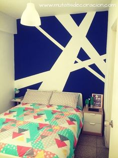13 ideas para pintar y decorar paredes con gotelé - Everything About The House Wall Painting Living Room, Diy Wall Painting, Room Wall Decor, Bedroom Decor, Geometric Wall Paint, Hypebeast Room, Bedroom Wall Designs, Diy House Projects, Room Colors
