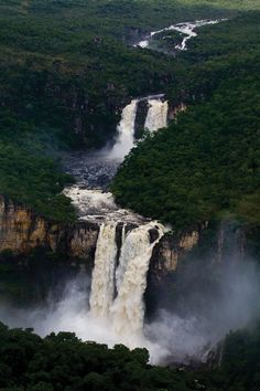 Chapada dos Veadeiros (National Park), Brazil (nearest town is Alto Paraiso) Places Around The World, Oh The Places You'll Go, Places To Travel, Places To Visit, Around The Worlds, Travel Destinations, Beautiful Waterfalls, Beautiful Landscapes, Wonderful Places