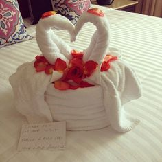 """""""The maid left me some love!!! I am so blessed! The kids want to take over my room so they can get some towel love!!!""""- by @ksoskin"""