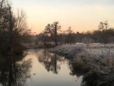 Frosty at Bowers Lock footbridge Jan 3