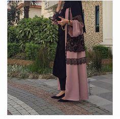 Hijab Fashion Summer, Niqab Fashion, Muslim Fashion, Islamic Fashion, Fashion Outfits, Hijab Style, Abaya Style, Hijab Gown, Abaya Designs