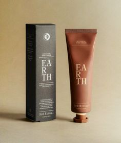 Earth is a grounding blend of vetiver, pink pepper, and rosewood, carried by a rich cream infused with purifying neem extract and Kaolin clay. In Traditional Chinese Medicine, the Earth element is important during times of transition — a reminder of stability amid moments of continual flux. We set out to create a blend that would inspire the groundedness that comes from harmonious mind-body connection with a luxurious, moisturizing cream. Designed to restore and nourish overworked hands and… Packaging Box Design, Print Packaging, Cosmetic Packaging, Beauty Packaging, Logo Design, Graphic Design, Print Design, Branding Design, Packaging Inspiration