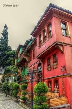 Bursa- Türkey Turkish Architecture, Vernacular Architecture, Interior Architecture, Urban City, Facade House, What A Wonderful World, Traditional House, Old Houses, Wonders Of The World