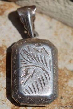 Vintage 925 Sterling Silver Fancy Hand Etched Locket Pendant