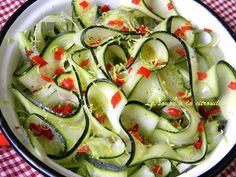 Tagliatelles de courgettes en salade. . La recette par La soupe à la citrouille.