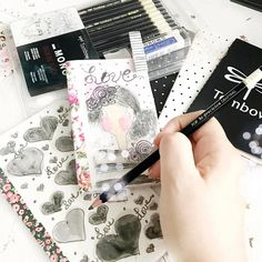 #nationalhandwritingday using @tombowusa Mono Drawing Pencils..super smooth....😍 #Planneraddict #plannerlife #plannerstickers #Tombow #plannergoodies #planners