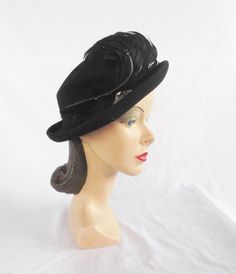 1940 s Vintage Black Felt Hat with Feathers and Rhinestone Leaf Pin Size 23  Large XL 77f82ff0d3c3