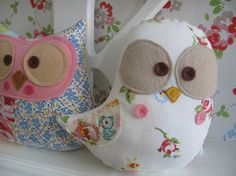 Stuffed birds and owls - cute!