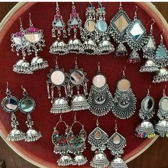 ideas for style hippie bohemia bijoux Bohemian Style Jewelry, Hippie Jewelry, Antique Jewellery Designs, Jewelry Design, Stylish Jewelry, Cute Jewelry, Fashion Earrings, Fashion Jewelry, Jewellery Earrings