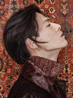 Etro - 김원중 화보, 그래픽 패턴 스타일의 옷 | GQ KOREA (지큐 코리아) 남성 패션 잡지