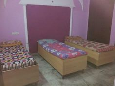 Poonam PG Girls is located in the Laxmi Nagar area, one of the largest and most interesting markets in New Delhi Located within easy walking distance to a metro station call us 8527712221