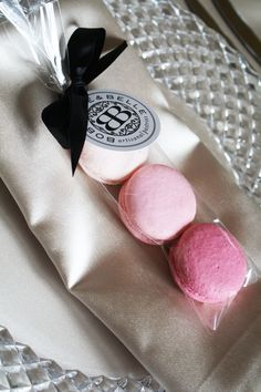 ombre macarons at each place setting