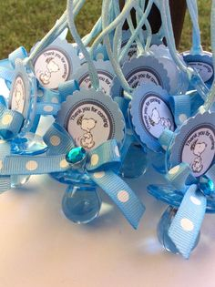 Items similar to 12 Snoopy party favor- snoopy baby shower favors- snoopy baby shower- baby snoopy necklace game- baby snoopy- neutral baby shower on Etsy Baby Shower Baskets, Baby Shower Niño, Baby Shower Princess, Baby Shower Favors, Baby Snoopy, Snoopy Party, Mesas Para Baby Shower, Baby Shower Invitaciones, Baby Shower Advice